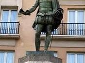 tesoro bajo estatua Cervantes