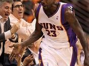 Playoffs Hawks Lakers encarrilan series. Baby hace Garnett. Phoenix masacra Portland