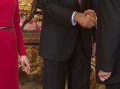 Letizia repite vestido rojo recepción previa Premio Cervantes