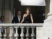 Adivina: ¿Qué hace Penélope Cruz junto Mario Testino Hotel Crillon Paris?