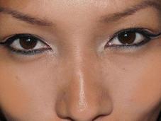 Makeup oriental Magdalena Kurniasih Acentuar ojos
