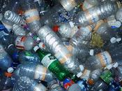 Juguetes manualidades hechas botellas plástico material reciclado