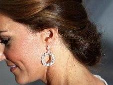 Kate Middleton recoge melena moño bajo