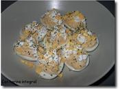 Huevos rellenos atún lactonesa