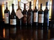 etiqueta vino, forma engloba contenido