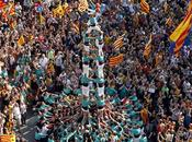 Miles catalanes hacen cola para adquirir nuevo iPhone