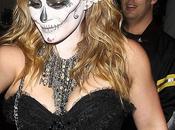 Hilary Duff lució aterradora disfraz Halloween