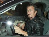 Sean Penn visto mujer misteriosa