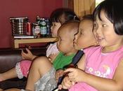 niños comen frente televisión pueden desarrollar obesidad