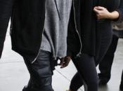 Kardashian está embarazada Kanye West. pregnant