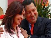 Cristina Fernández lleva Chávez Biblia regalo