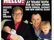 Elton Johnmuestra segundo hijo Elijah