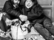 (585) mundo visto indigentes aceras parís