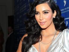 Kardashian quiere ponerle ropa cuero bebé