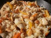 Arroz pollo, verduras almendras