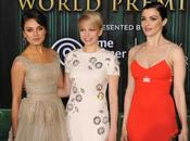 "CARPET: Guerra chicas premiere ""Oz: Mundo Fantasía"""