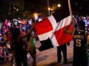 Puerto Rico: dominicanos celebran Santurce victoria equipo