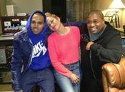 Jennifer López estudios Chris Brown