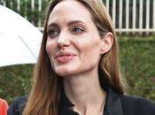 Angelina Jolie niega boda secreta Brad Pitt