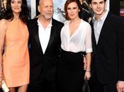 Bruce Willis feliz lado todas 'chicas' nuevo 'yerno'
