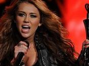 Miley Cyrus será Sarah Jessica Parker precuela Sexo Nueva York