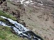 """Borreguiles Sierra Nevada (I): Verdes retazos alpinos """"mediodía español""""."""