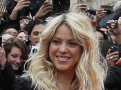 Shakira dice contrató porque estaba trabajo