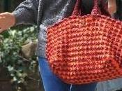 Consigue bolso croché Prada lleva Sienna Miller