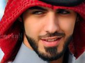 Fotos hombre expulsado Arabia Saudí demasiado guapo