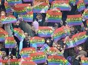 Aficionados equipo fútbol alemán manifiestan contra homofobia