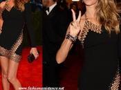 Giselle Bündchen, Vaccarello, sensación Gala MET. Celebrities adoran diseñador