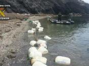 Intervenidos kilos hachís ocultos bidones flotaban cala detenidas tres personas Almería