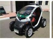 pequeño auto eléctrico policía Dubai