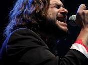Quique González, cantautor rockero mirada triste tímida DELANTERA MÍTICA