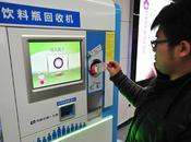 Dinero cambio botellas metro Pekín