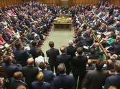 Cámara Comunes británica contra participar guerra Siria
