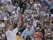 Djokovic vence Wawrinka aguarda rival final