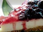 Tarta queso chocolate blanco confitura cerezas negras