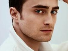 Daniel Radcliffe podría encarnar Fredie Mercury película biográfica cantante