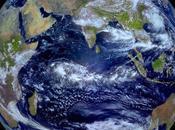 Tierra vista desde espacio equinoccio otoño
