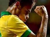 Neymar también sabe hacer Messi balón parado