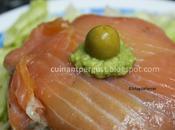 Pastel salmón ahumado guacamole