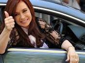 Luche Vuelve: saludo Cristina. luto?