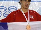 Nadador matías lazzerini escribe nombre bronce sudamericano escolar