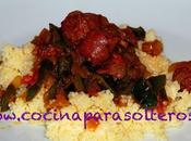 Cuscús verduras salchichas
