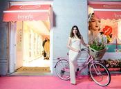 Adriana Ugarte protagonista inauguración Benefit Cosmetics Madrid