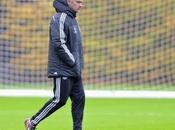 Mourinho, operado París vieja lesión codo