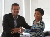 Coch firmó convenio fundación asciende