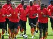 Angola poised qualify 2012