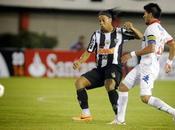 Ronaldinho tuvo gran partido Libertadores